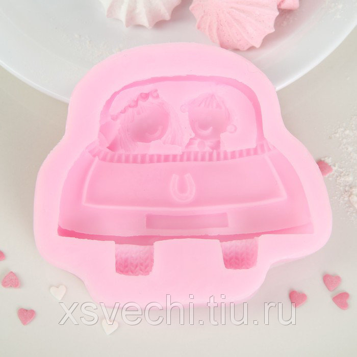 """Молд 11,5х10х2 см """"Парочка в авто"""", цвет розовый"""