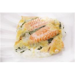 Запеченный лосось под соусом БлюЧиз